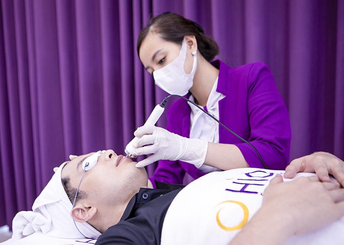 Khử thâm môi nam bằng laser là gì
