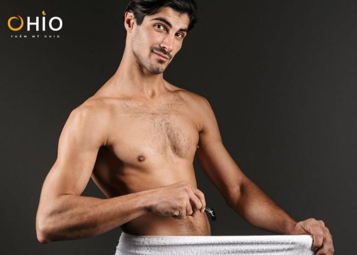 Nam giới có nên sử dụng bàn cạo để loại bỏ lông vùng kín?